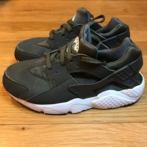 Nike Shoes - Nike Little Kids Huarache Sneakers